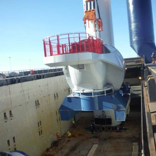 Discharging of a nacelles 450 MT at Hanstholm (Demmark).