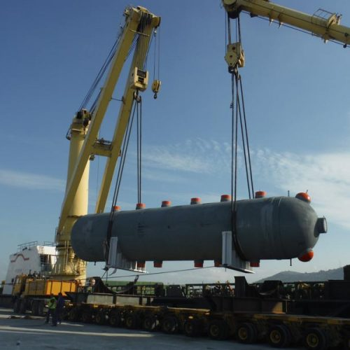 Loading of a evaporator of 316 MT at Bilbao port.