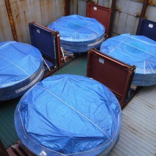 Carga de proyecto sobre flat racks en el puerto de Bilbao